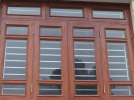 Cửa sổ nhôm kính vân gỗ đẹp